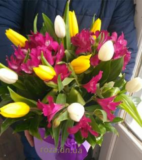 тюльпаны с альстромерией
